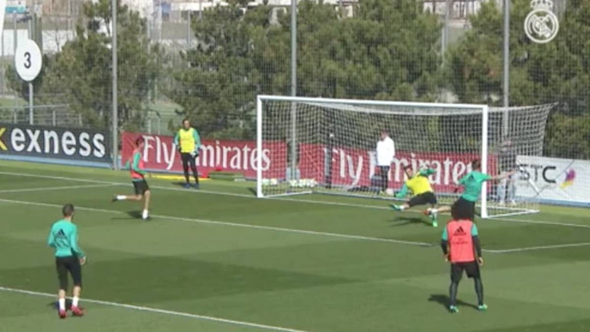 Real madrid 39 s luca zidane makes fine double save in for Championship league table 99 00