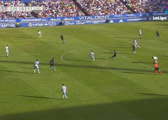 Pita hace el gol de la jornada desde 50 metros en la Romareda