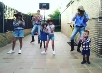 """La familia Carroll enloquece twitter con su """"baile vaquero"""""""